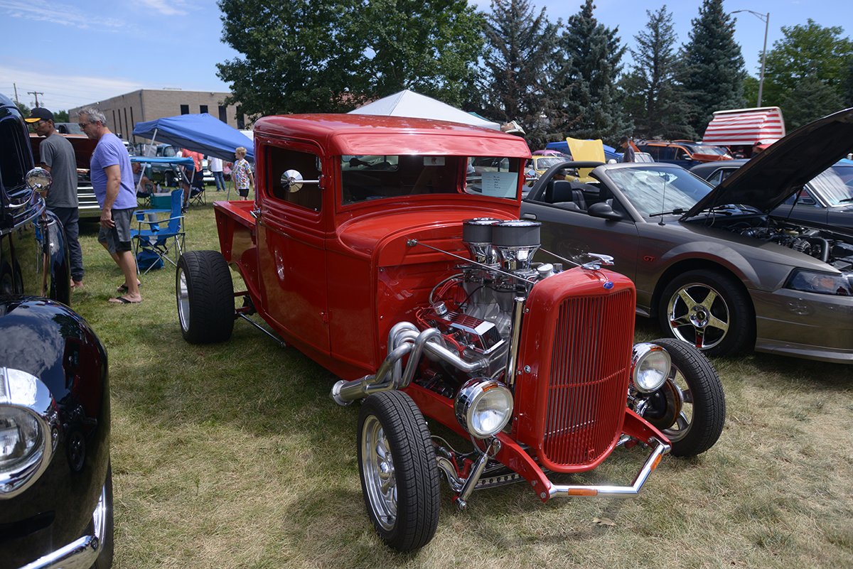 Specialty cars in all genres gather together at Anderson Park!